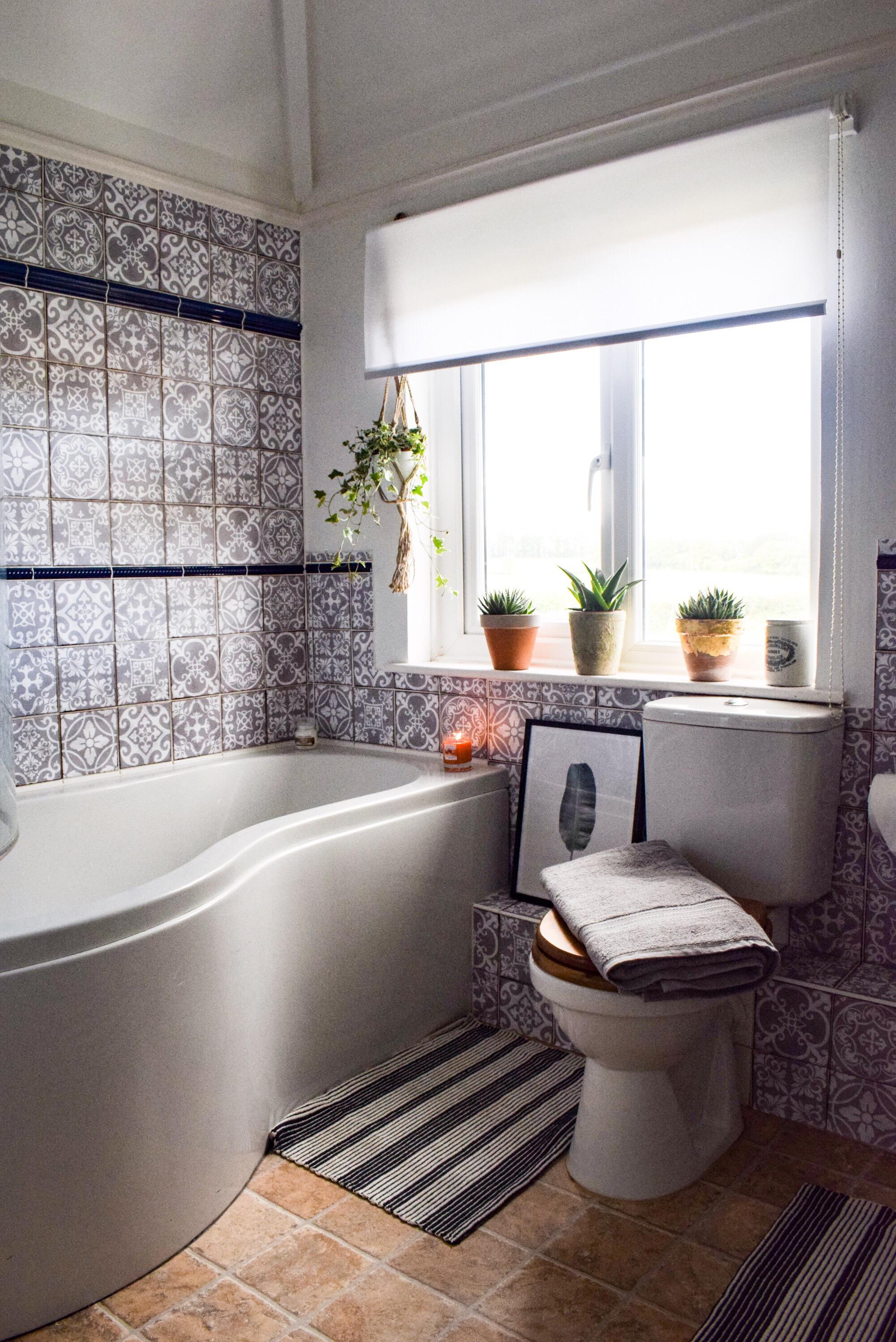 My bathroom makeover i am hayley stuart for Duck egg blue bathroom ideas
