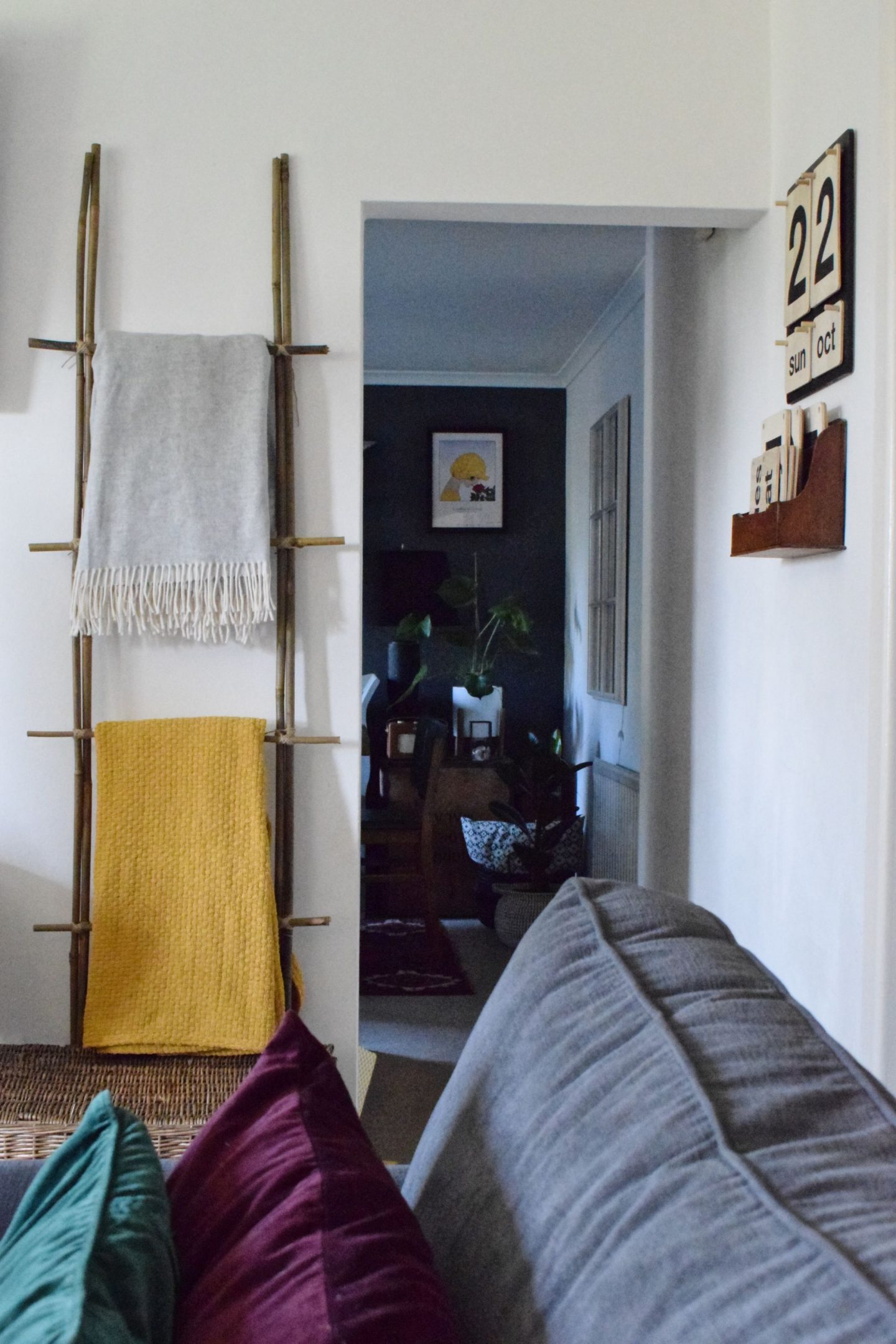 How to make a blanket ladder for five pounds…