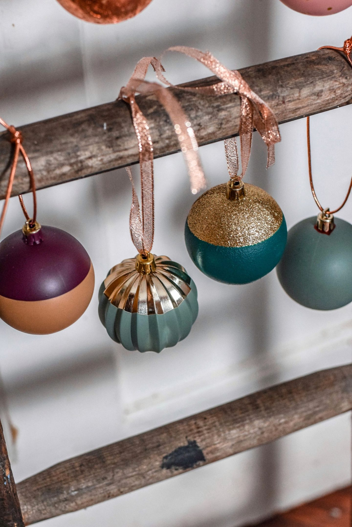 How to up-cycle your old Christmas baubles…